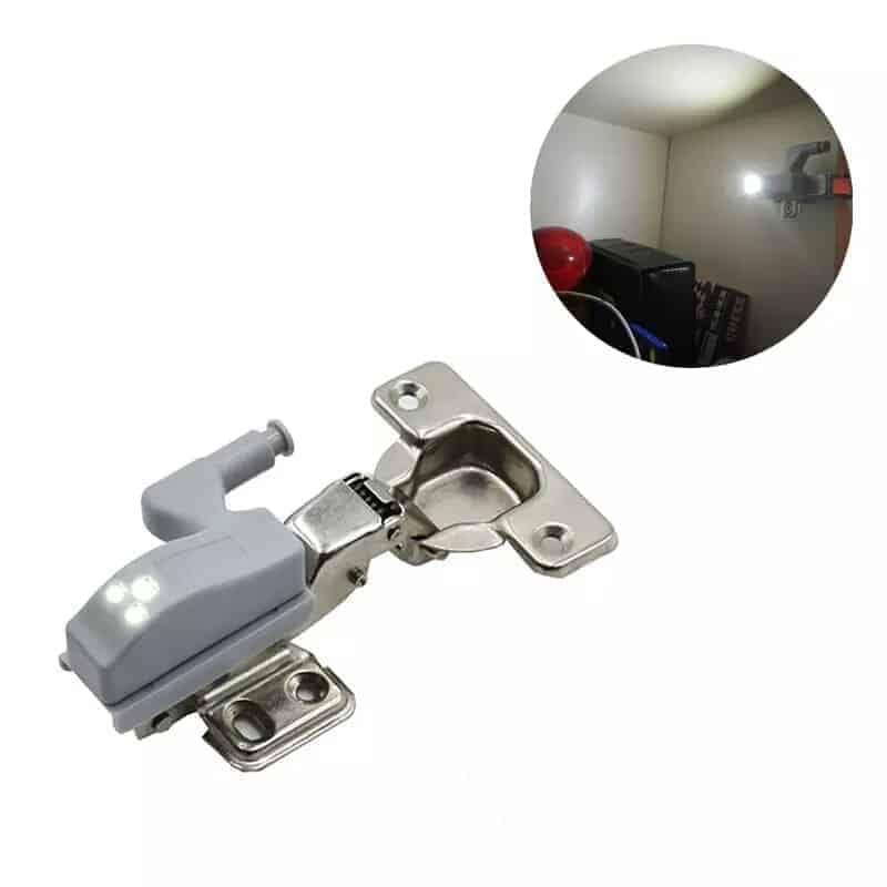 Avtomatska led lučka za elemente in omare 1