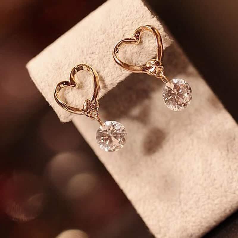 uhani srcek s kristalom