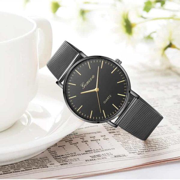 ženske ure črne barve