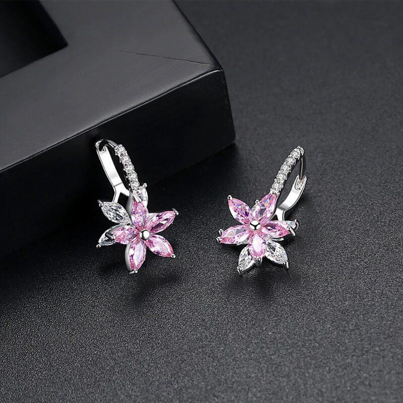 roza uhani s kristali