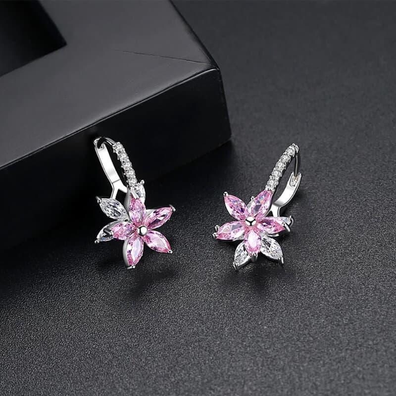 Uhani s kristalčki v prelepi obliki rože 6