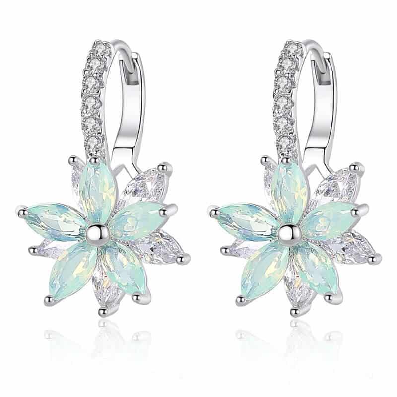 Uhani s kristalčki v prelepi obliki rože 1