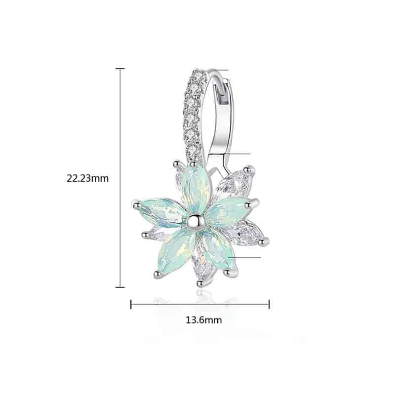 Uhani s kristalčki v prelepi obliki rože 5