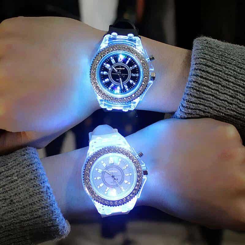 Ročna ženska ura z diamanti in s svetlobnimi lučmi 1