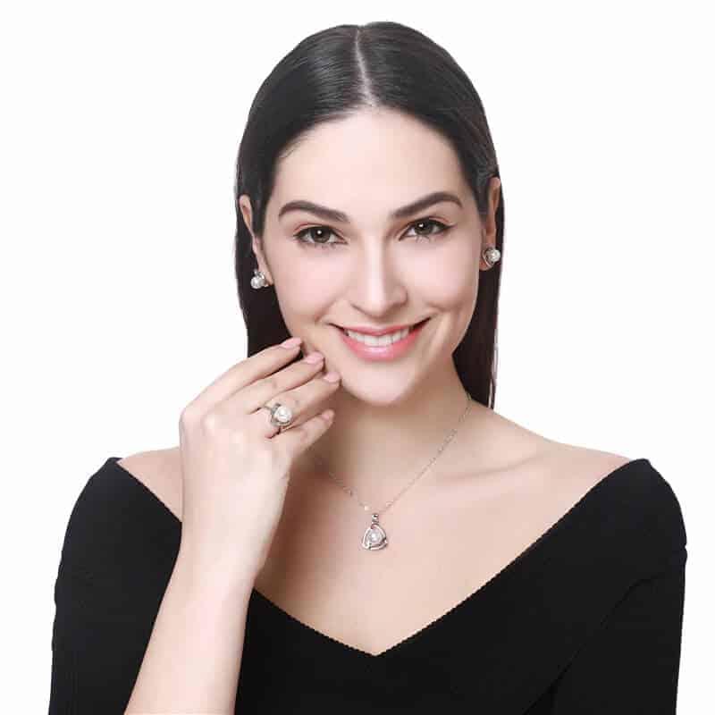 Biserna verižica z uhani v srebrni barvi 4