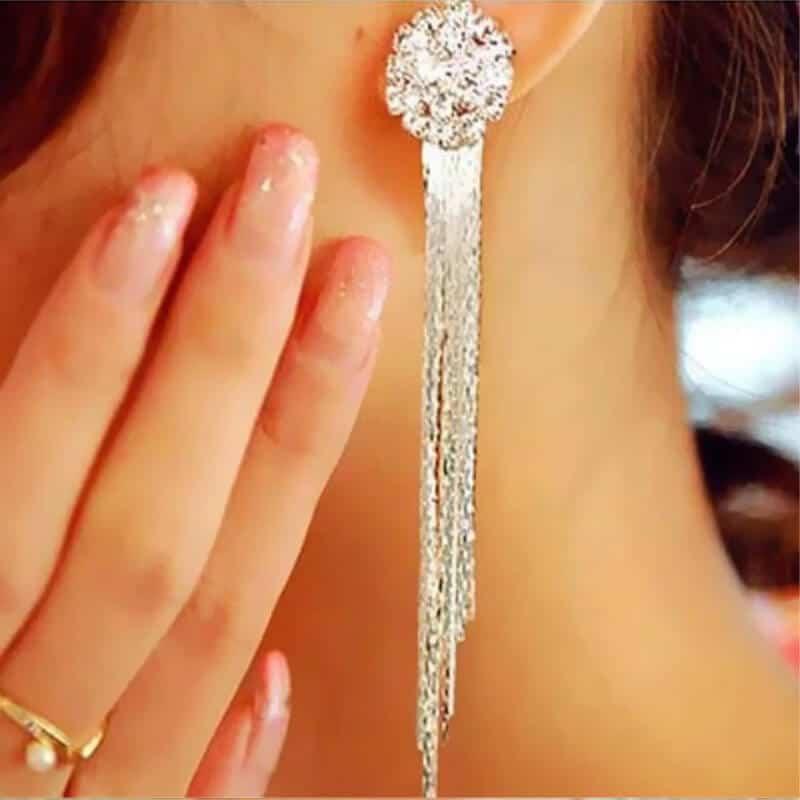 Viseči uhani srebrne barve z diamanti 4