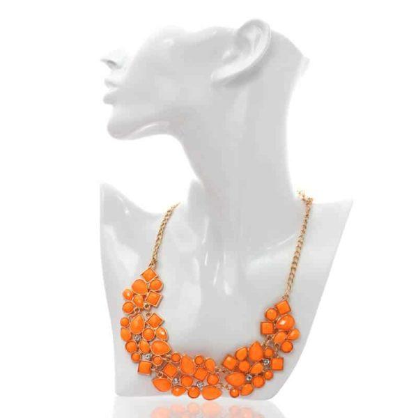 kristalčki na ogrlici