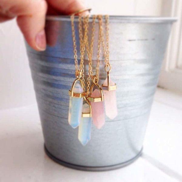 kristalne verižice več barvne