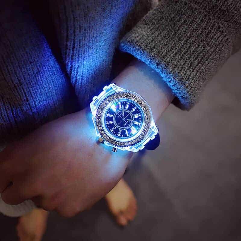 Ročna ženska ura z diamanti in s svetlobnimi lučmi 7