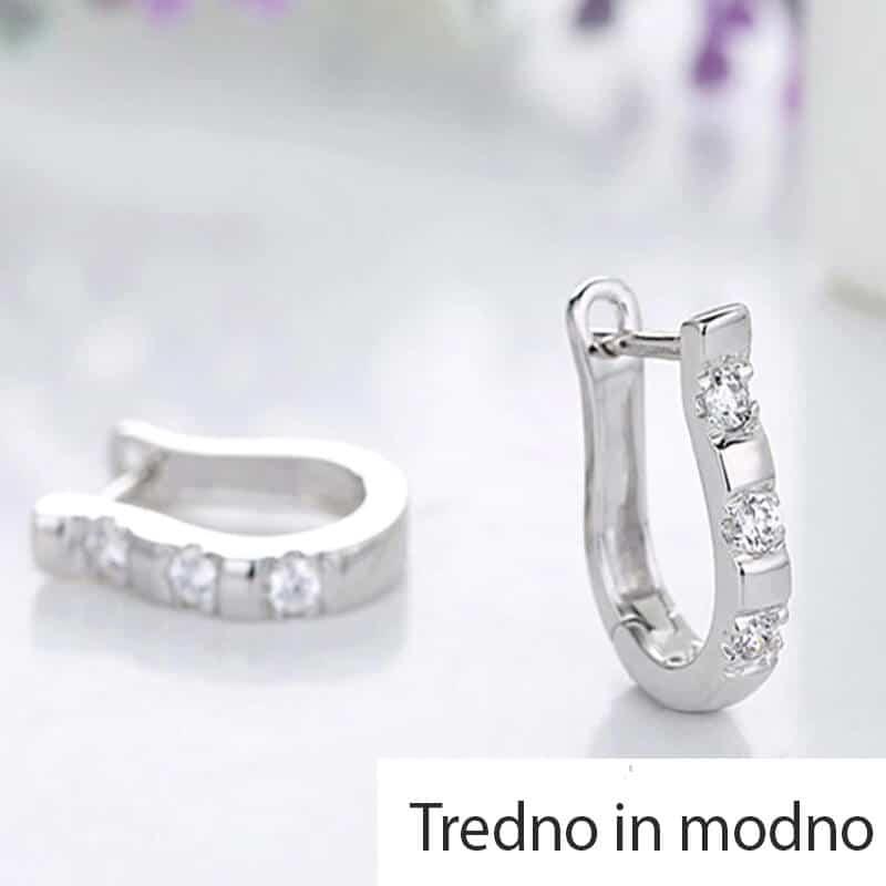 Uhani srebrne barve z dijamantki 2