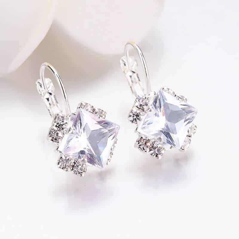 uhani srebrni kvadratni kristali in diamantki