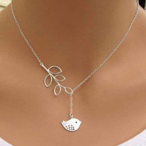 verižica srebrna za ženske z listom in ptico