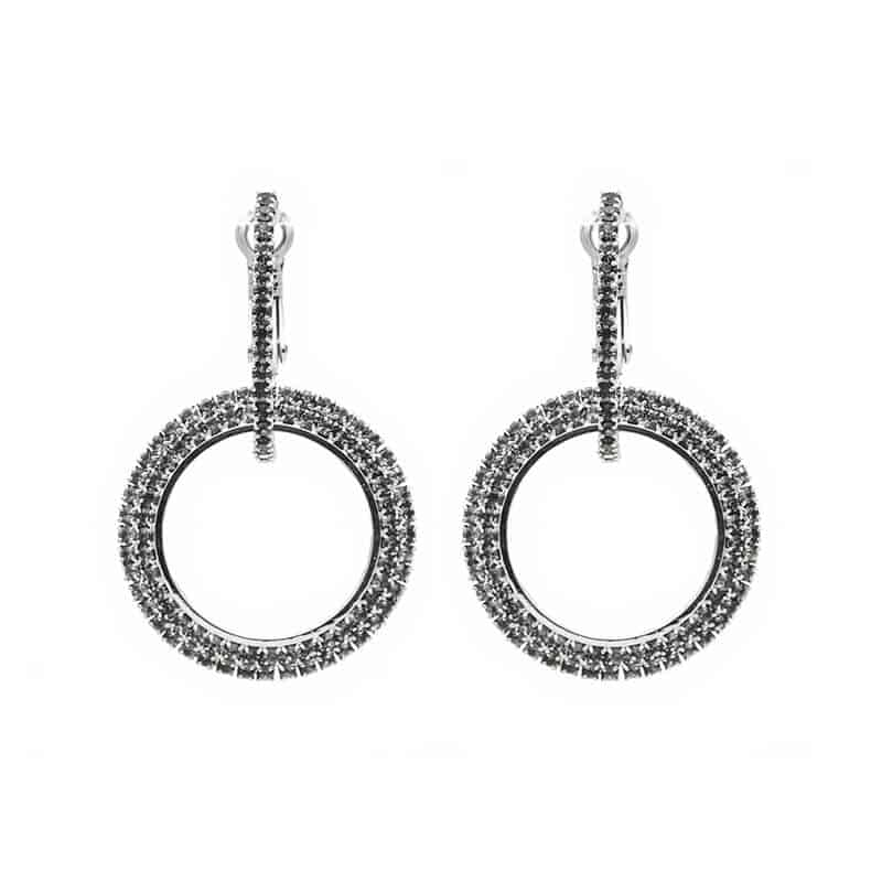viseči srebrni uhani z diamanti krogi