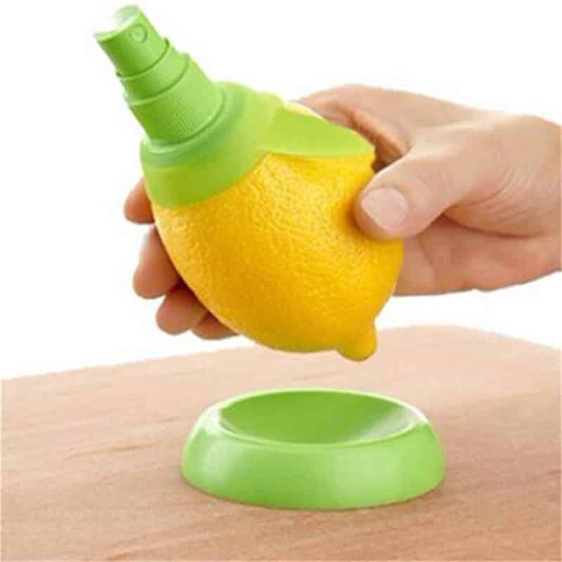 Ožemalnik limone z razpršilcem 1