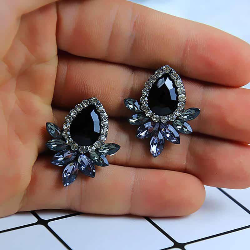 Uhani z diamanti in kristali - Oblika solze - Črna barva 4
