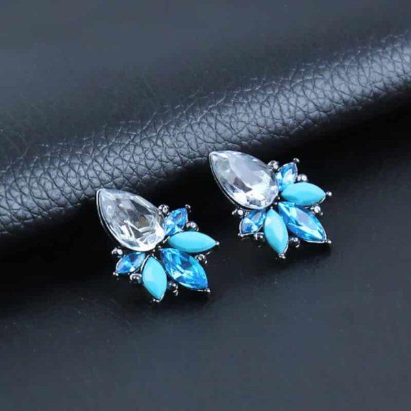 uhani kristalni modre barve z velikim kristalom