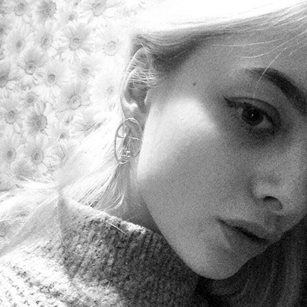 uhani srebrni v obliki obraza
