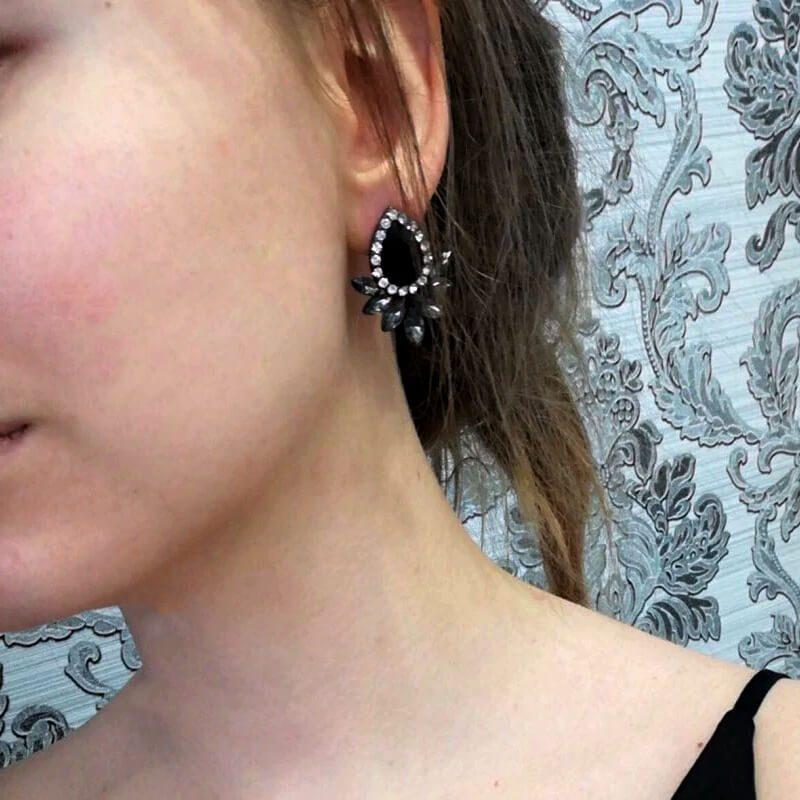 uhani za ženske z diamanti in kristali v obliki sovze črni
