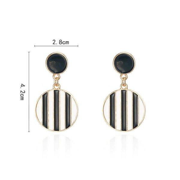viseči uhani velikost črnih z belimi črtami