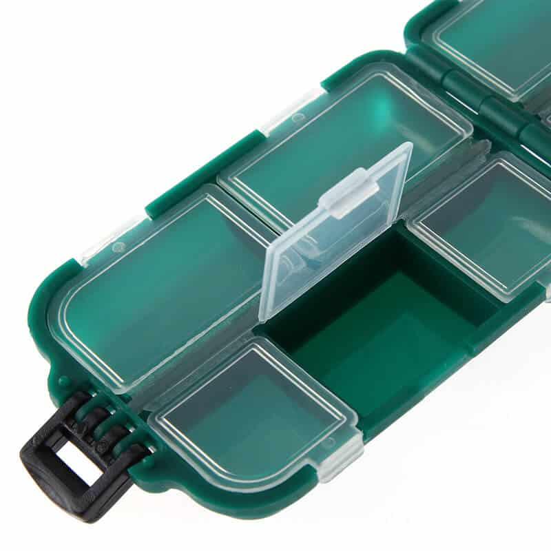 zelena plastična škatla za ribolov