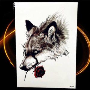 začasni tattoo volk z rdečo vrtnico