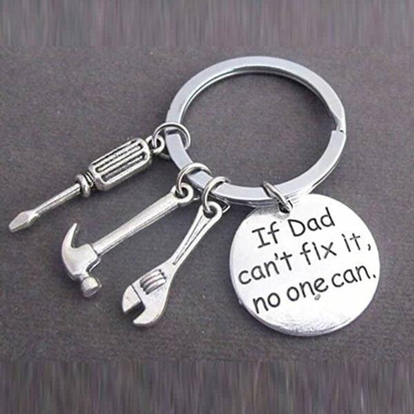obesek za ključe srebrne barve if dad can't fix it