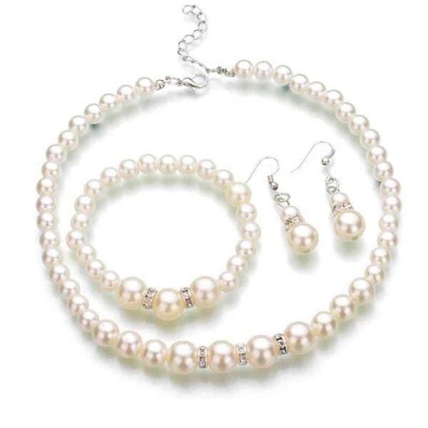 Biserna ogrlica z zapestnico in uhani