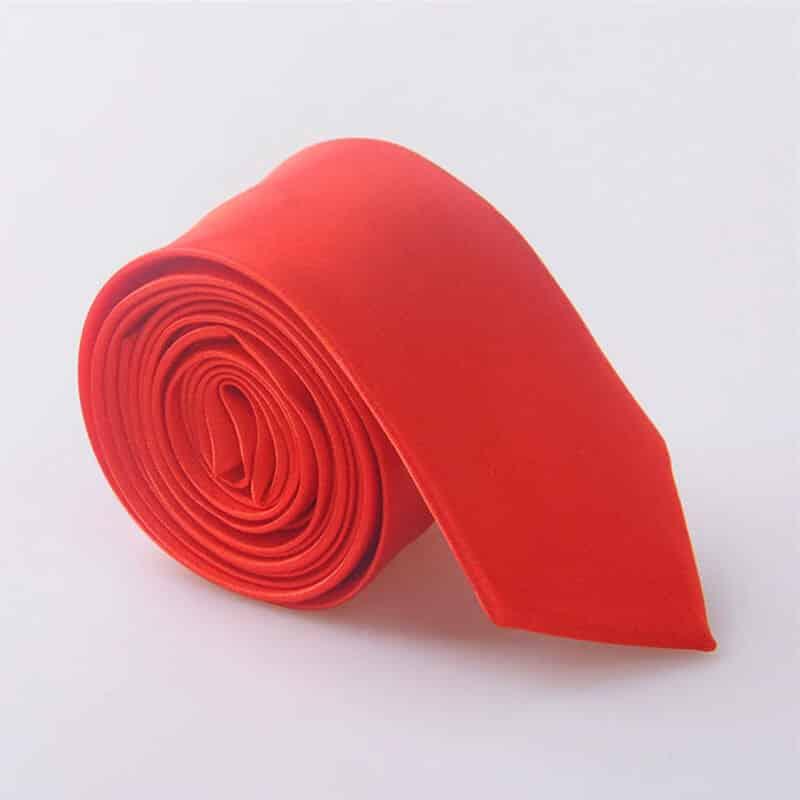 Elegantna kravata - rdeča barva