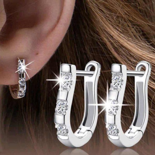 Prekrasni uhani z dijamanti