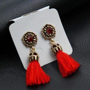 Viseči uhani z rdečim cirkonom