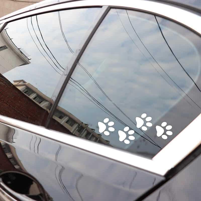 nalepka tačke za avtomobil