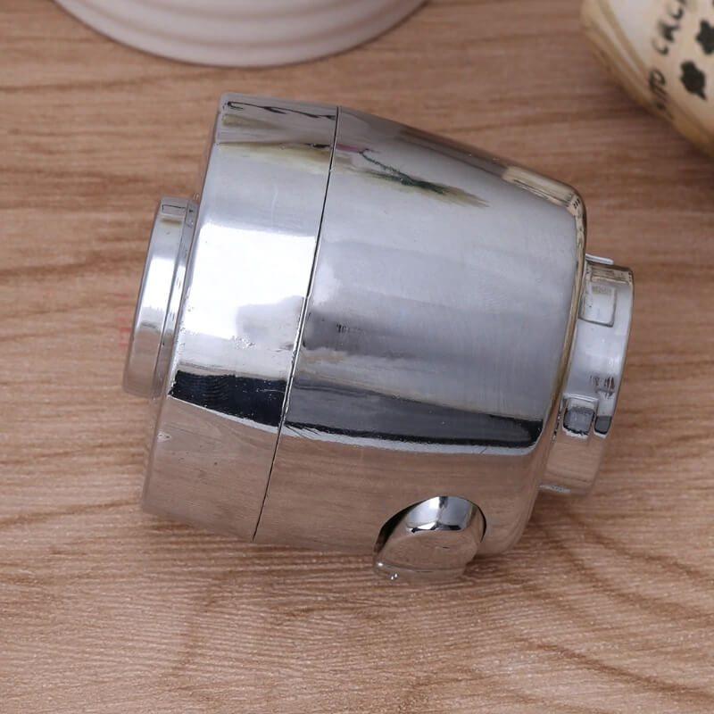 nastavki srebrne barve za pipo v kuhinji