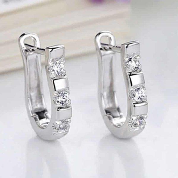 uhani z dijamantami
