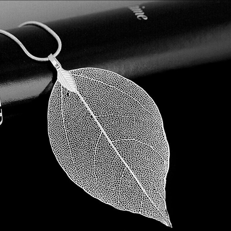 verižica sveži listi srebrne barve
