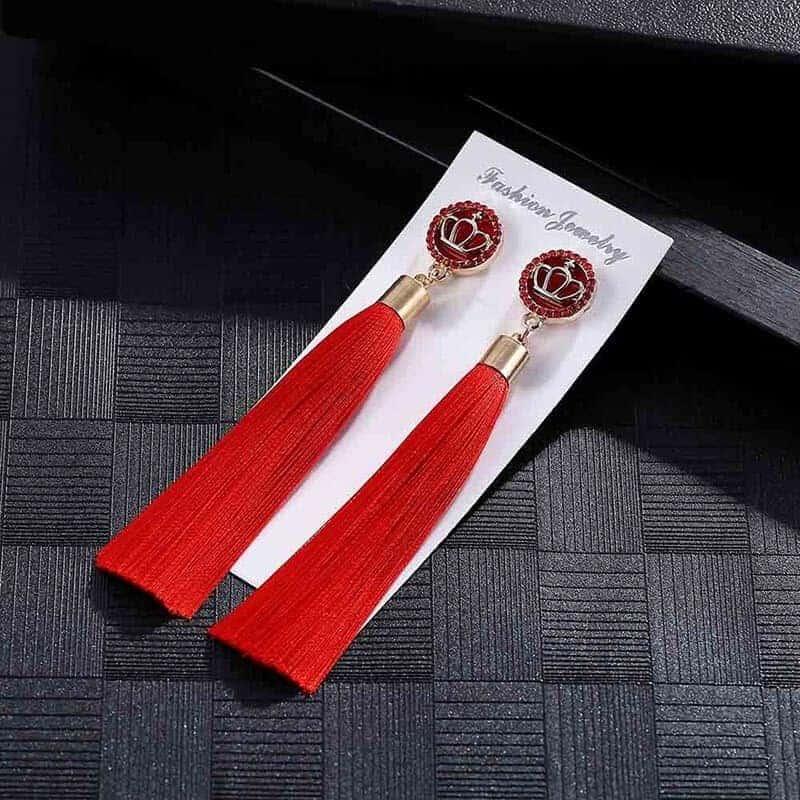 Dolgi viseči uhani z rdečimi trakovi