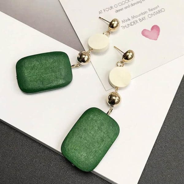 Leseni viseči uhani zelena barva