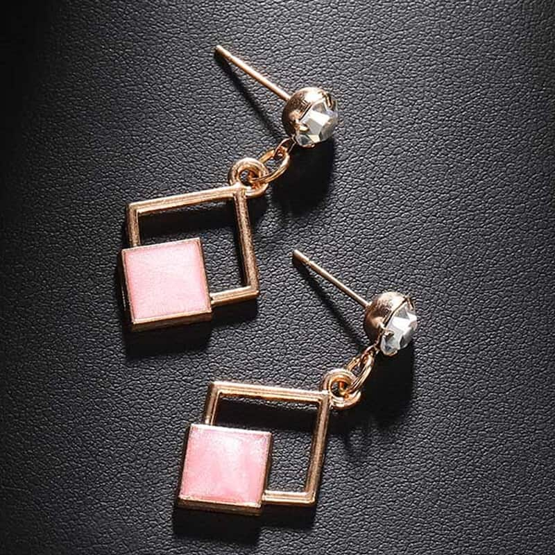 karo oblika uhani roza barva