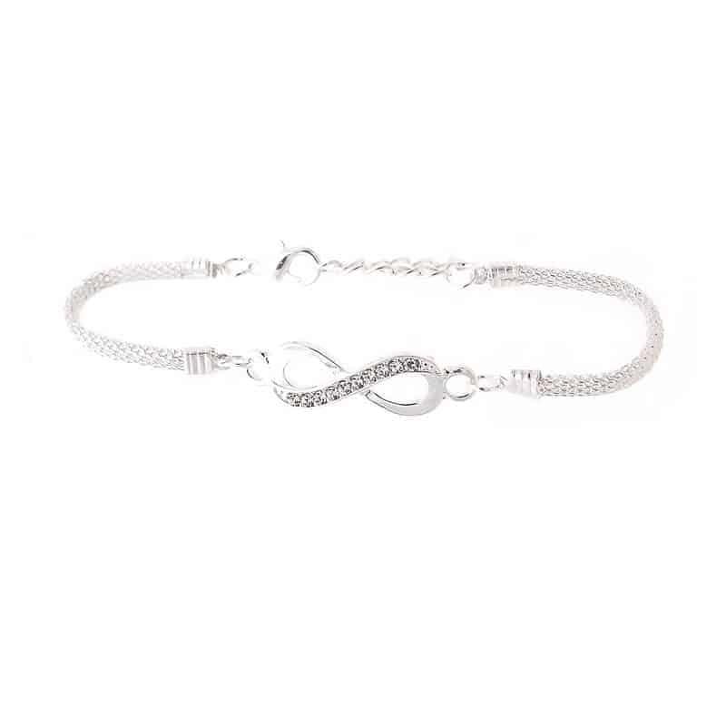 zapestnica infinity srebrne barve z diamantki modna