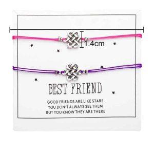 Zapestnica prijateljstva s simbolom prepletenih življenskih trenutkov
