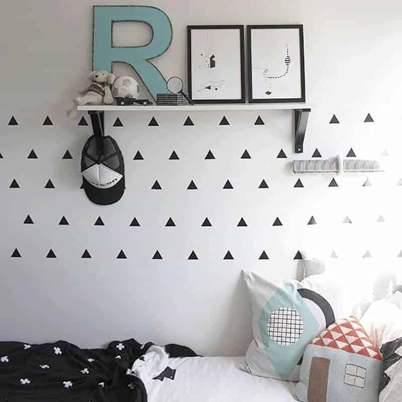 stenske nalepke trikotnik črna barva
