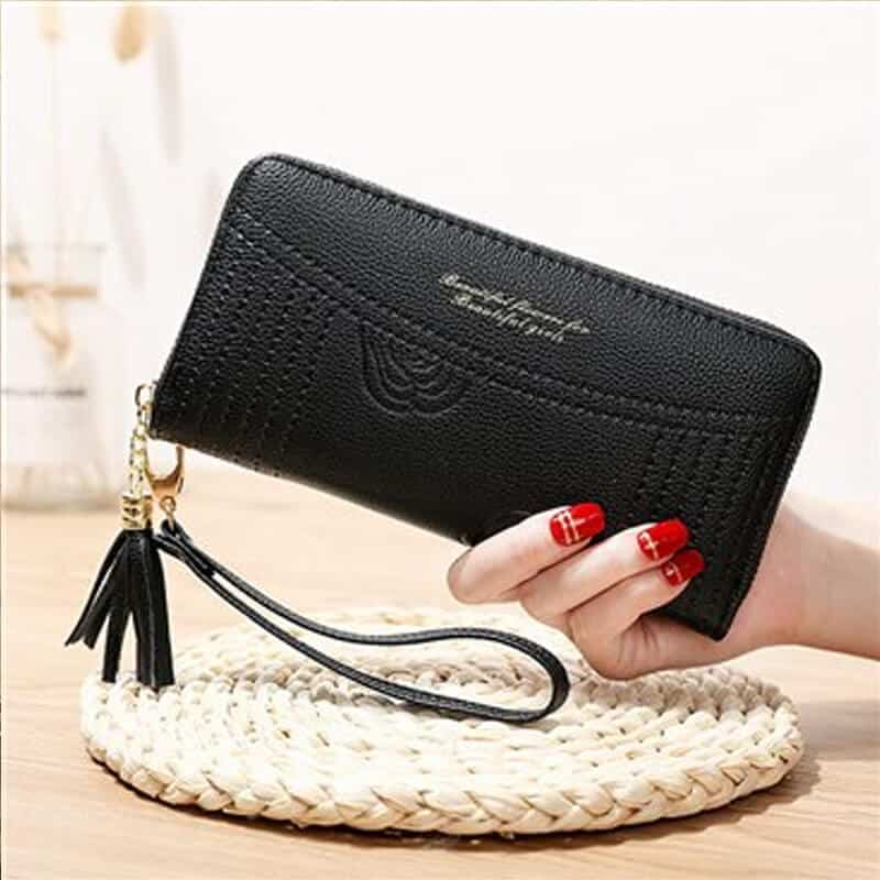 Ženska denarnica iz usnja z natpisom črna