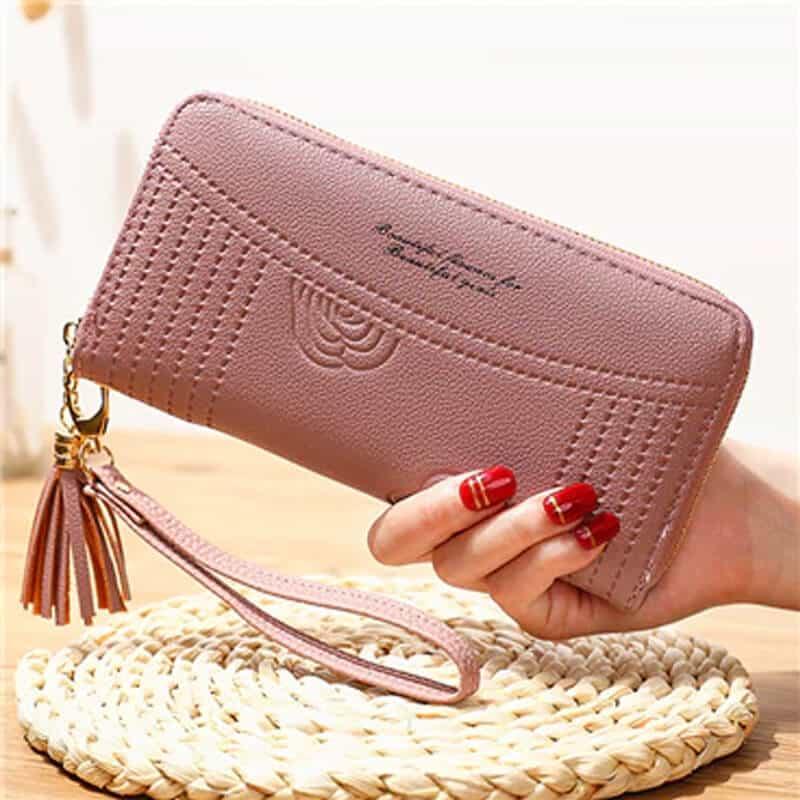 Ženska denarnica iz usnja z natpisom vijolična