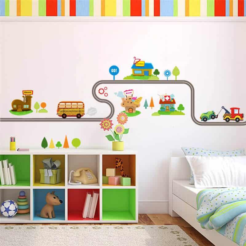 Stenska nalepka cesta in barvita vozila barvita soba