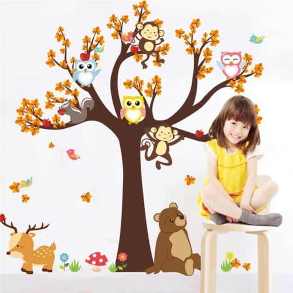 Stenska nalepka drevo z živali