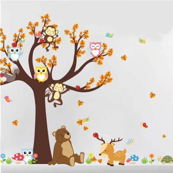 Stenska nalepka drevo z veselimi živali barvite sove