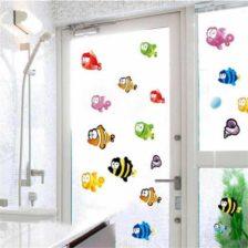 Stenska nalepka z motivom veselih ribic hit cena