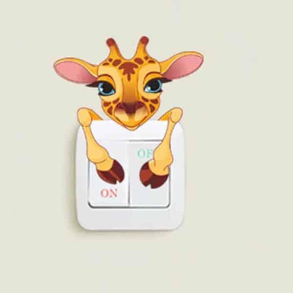 Stenska nalepka za stikalo motiv žirafa