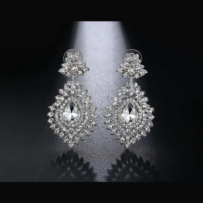 pretižni uhani viseči modni z diamanti