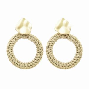 leseni uhani zlati v obliki kroga