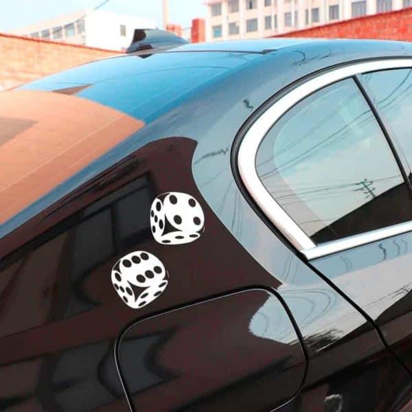 nalepka za avto igralni kocki bele barve